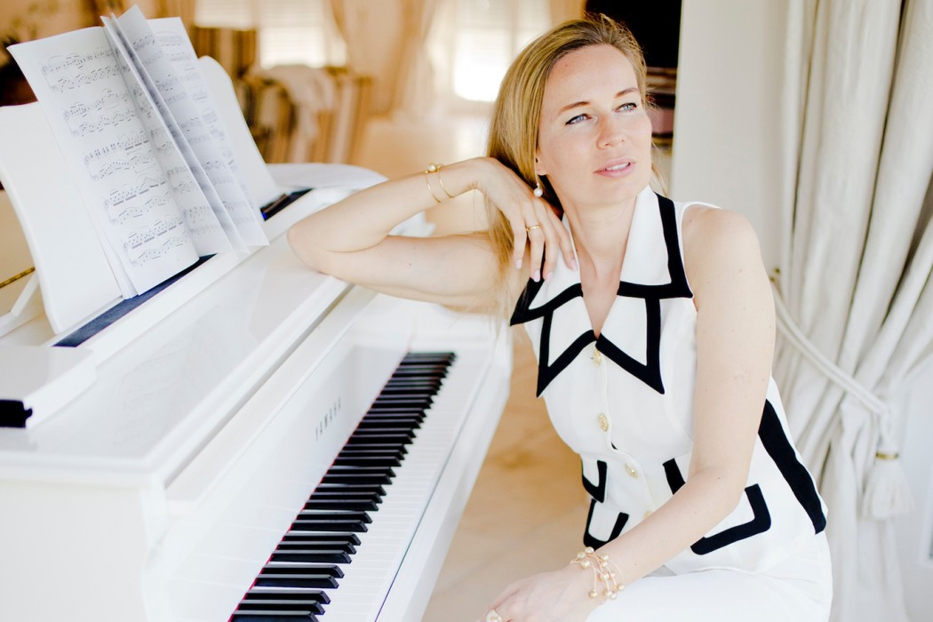 Yana Nesper - Pearls & Pianos